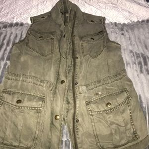 Max Jeans Cargo Vest.